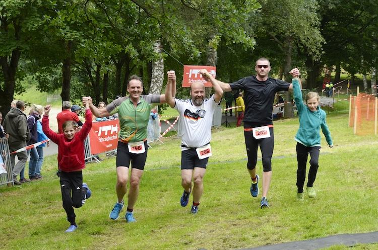 Photo of Teamgeist & Begeisterung – ITH -Hennesee-Triathlon in Meschede