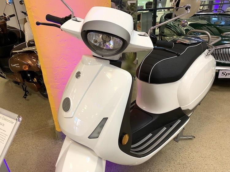 Photo of Motorroller im Sommer fahren