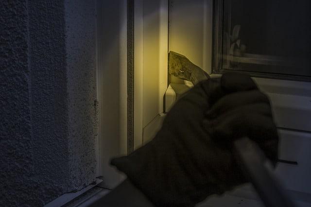 Photo of Wie man sein Haus gegen Einbrecher schützt