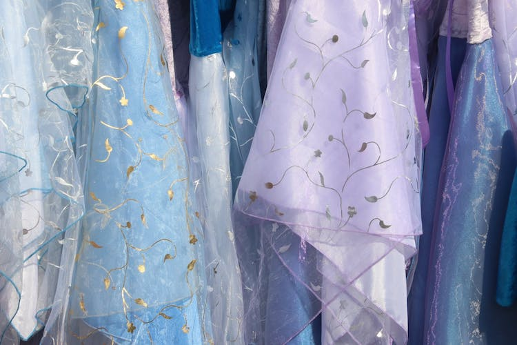 Photo of Die besten Stoffe, um wunderschöne Abendkleider für diesen Sommer zu kreieren