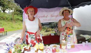 Gut behütet – Rosenfest im Rosendorf Assinghausen