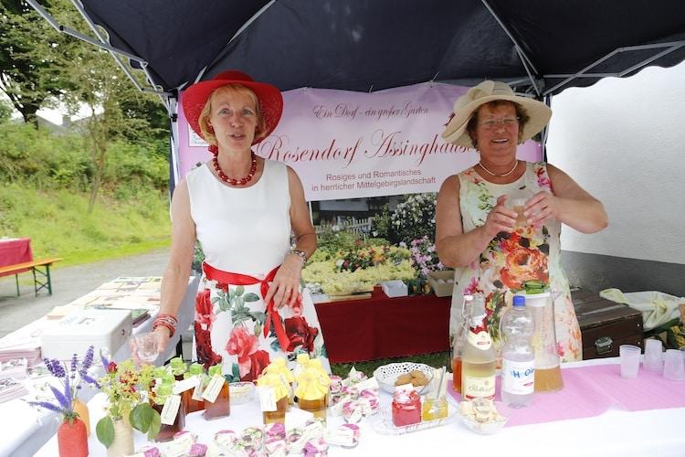 Photo of Gut behütet – Rosenfest im Rosendorf Assinghausen