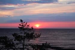 Für einen Sonnenaufgang muss man auch im Urlaub auf Fotosafari früh aufstehen