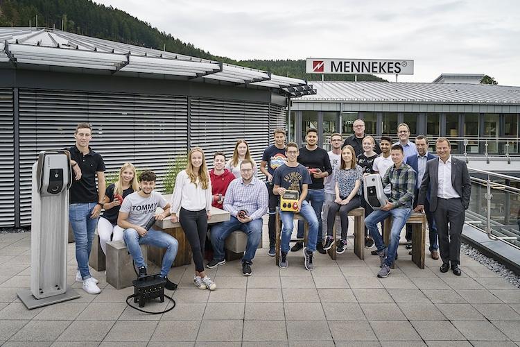 Photo of Durchstarten in die Zukunft bei Mennekes mit Nachwuchstalenten