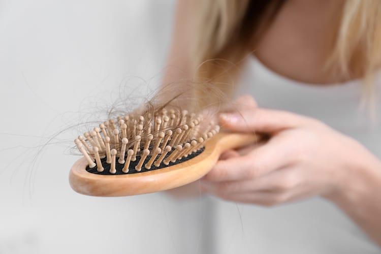 Photo of Wenn es obenrum lichter wird: So stoppen Sie Haarausfall