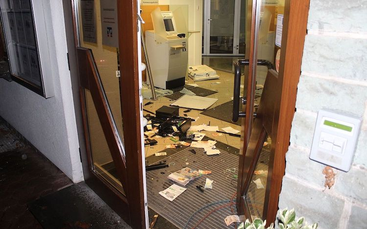 Photo of Geldautomaten gesprengt