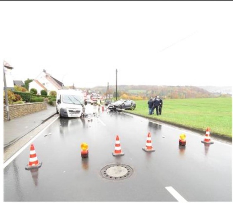Photo of Schwerverletzte bei Verkehrsunfall