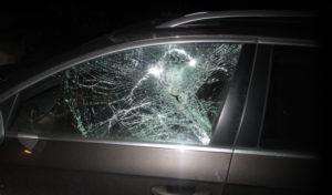 Autoscheiben zerdeppert