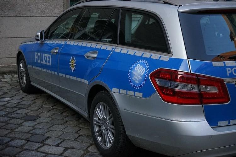 Photo of Auto-Einbrecher beobachtet und verfolgt