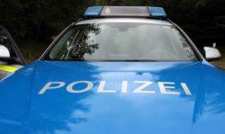 2019-12-09-Polizei-Personen-Drogenvortest-Partyraum-Verkehrsunfall-Nachbar-Ferienhaus-Auto-Belaestigung-blutentnahme-Transporter-Polizei