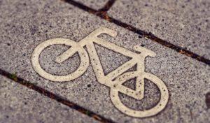 Zu zweit auf gestohlenem Fahrrad