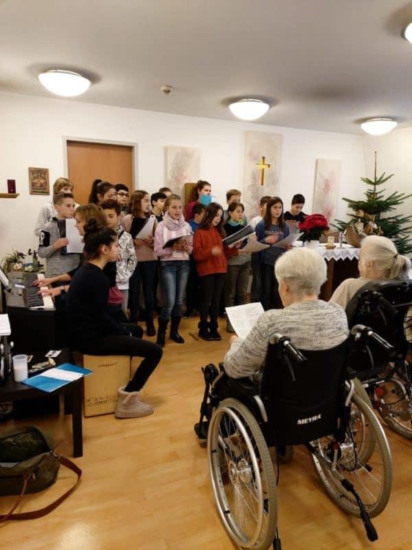 Photo of Weihnachtslieder im Seniorenheim