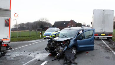 Photo of Verkehrsunfall mit Lastkraftwagen