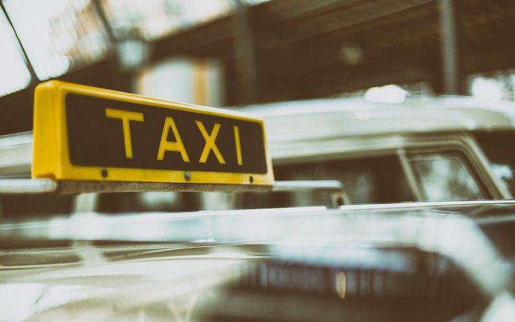 2020-03-23-Taxifahrerin-Taxi-Taxifahrer-Taxifahrer-Taxifahrer-Fahrgast-Taxi