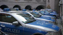 2020-03-23-Unfallfluchten-Notfaelle-Jungbaeume-Polizei-BMW-Polizei-Fahrbahn-Polizisten-Verkehrsunfall-Trunkenheitsfahrt-Polizeiwache-Fahrbahn-Kennzeichen-Promille