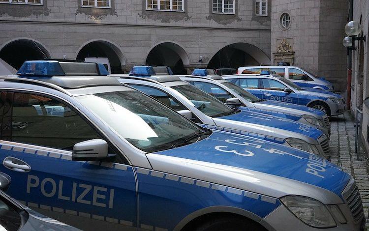2020-03-23-Unfallfluchten-Notfaelle-Jungbaeume-Polizei-BMW-Polizei-Fahrbahn-Polizisten-Verkehrsunfall-Trunkenheitsfahrt-Polizeiwache-Fahrbahn-Kennzeichen-Promille-Schreckschusswaffe-Fahrzeuge-Ladendiebstahl-Polizei
