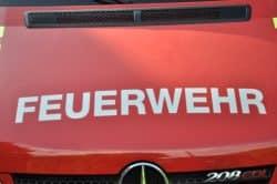 2020-04-09-Feuerwehr-Brand-Brand-Flammen-Brand-Entsorgungsunternehmen