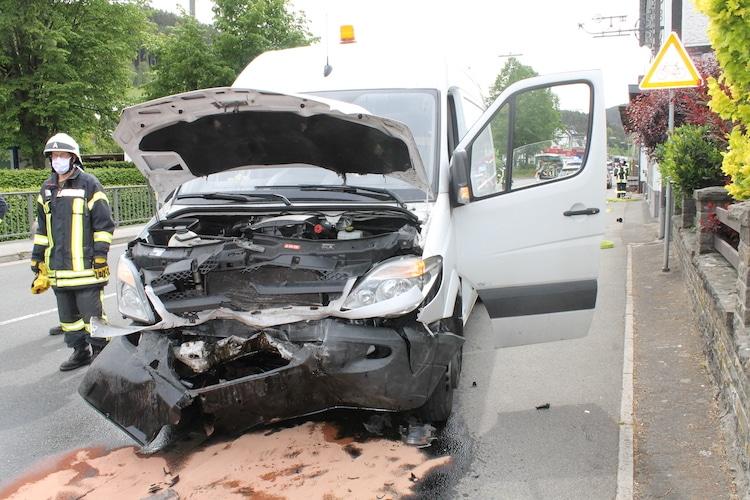 Photo of Schwerer Verkehrsunfall mit verletzten Kindern