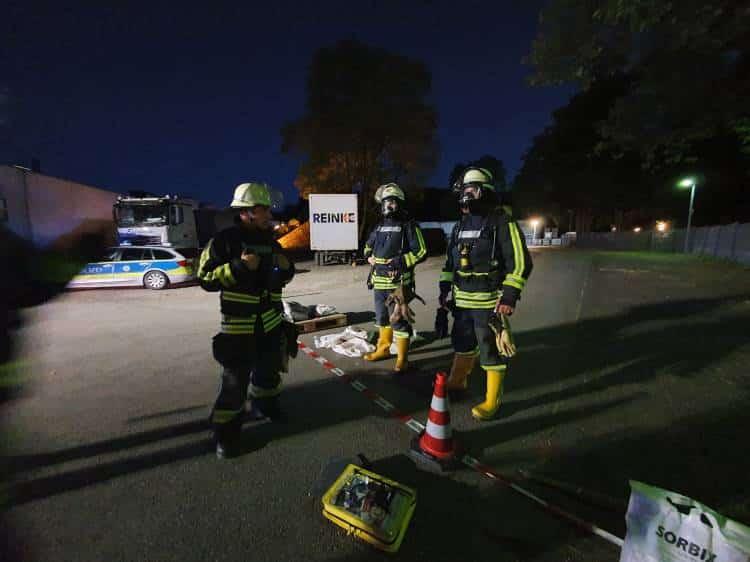 Photo of 1000 Liter Schwefelsäure-Flüssigkeit-Behälter beschädigt