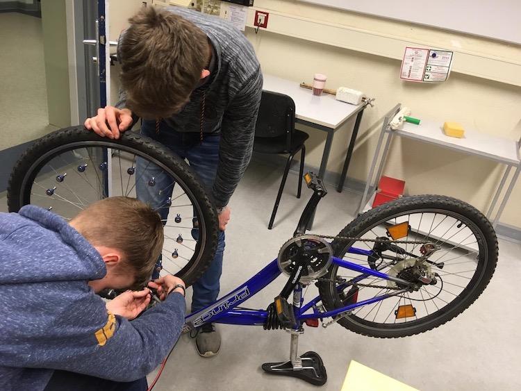Photo of MINToringSi: Energiegewinnung beim Fahrradfahren
