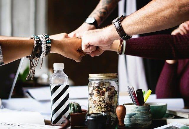 Photo of Die Motivation am Arbeitsplatz erhöhen – so verbessern Unternehmer das Arbeitsumfeld für ihre Mitarbeiter!