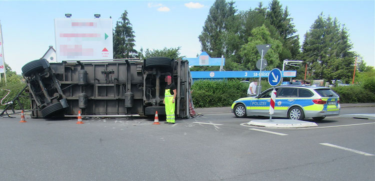 Photo of LKW in Schieflage – Polizei Menden sagt Danke