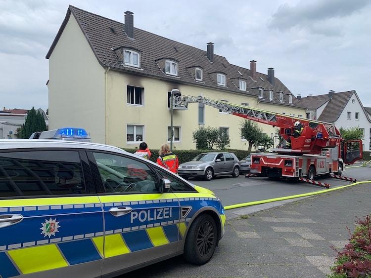 Photo of Ein Leichtverletzter nach Brand in Mehrfamilienhaus