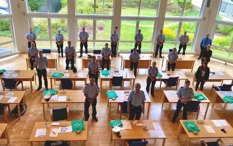 Photo of Polizeidirektor Jürgen Griesing begrüßt die neuen Beschäftigten