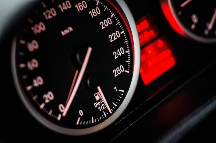 Photo of Geschwindigkeitsverstoß: Mit 160 km/h bei erlaubten 70 km/h