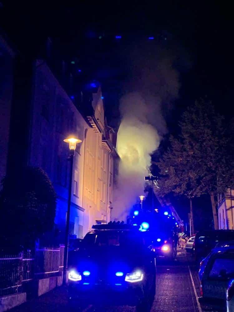 Photo of Wohnhausbrand mit sieben leicht verletzten Personen