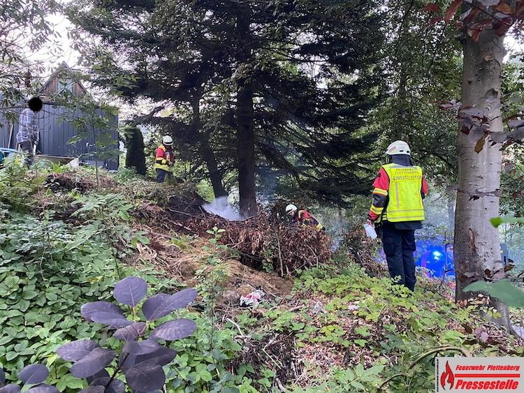 Photo of Brennende Gartenabfälle sorgen für einen Feuerwehreinsatz