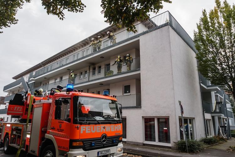 Photo of Feuerwehreinsatz: Küchenbrand in Mehrfamilienhaus