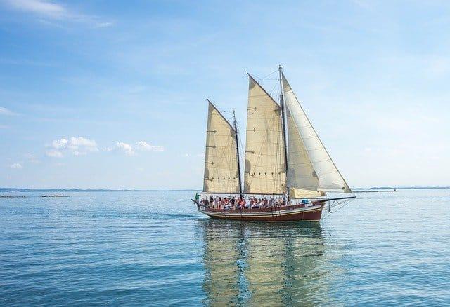 In früheren Zeiten wurden die Segel aus Hanf gefertigt.