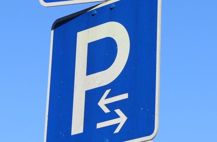 2020-12-09-Parkplatz-Huesten