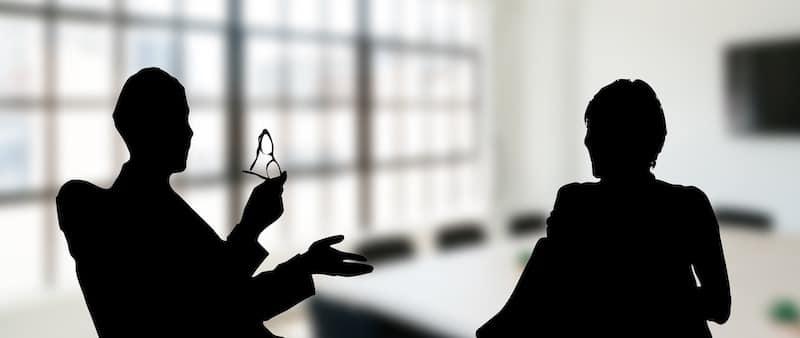 Mitarbeiterbefragungen sind wertvolle Instrumente bei der Organisationsentwicklung in einem Unternehmen und um Demotivation zu vermeiden.