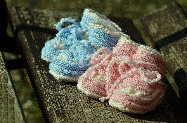 Zwillingsbabys sind eine große Herausforderung für die werdenden Eltern.
