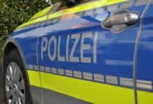 2021-04-26-Polizei-4-Handfesseln-Widerstand-Wald-Helm